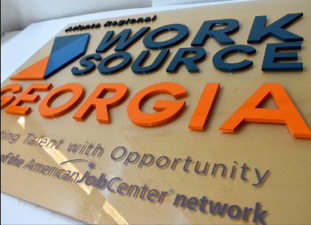 Acrylic 3D Sign with Plastic 3D Letters for Business Marketing