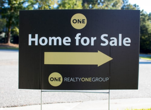 coroplast yard signs for real estate agents