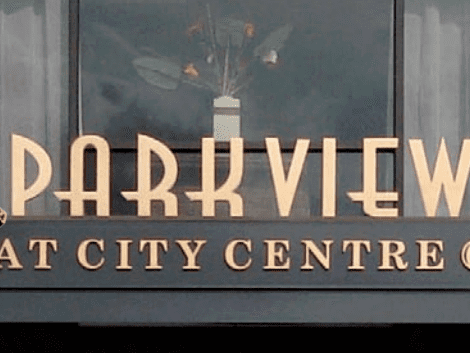 Metal letters outdoors with text that reads: PARKVIEW AT CITY CENTRE