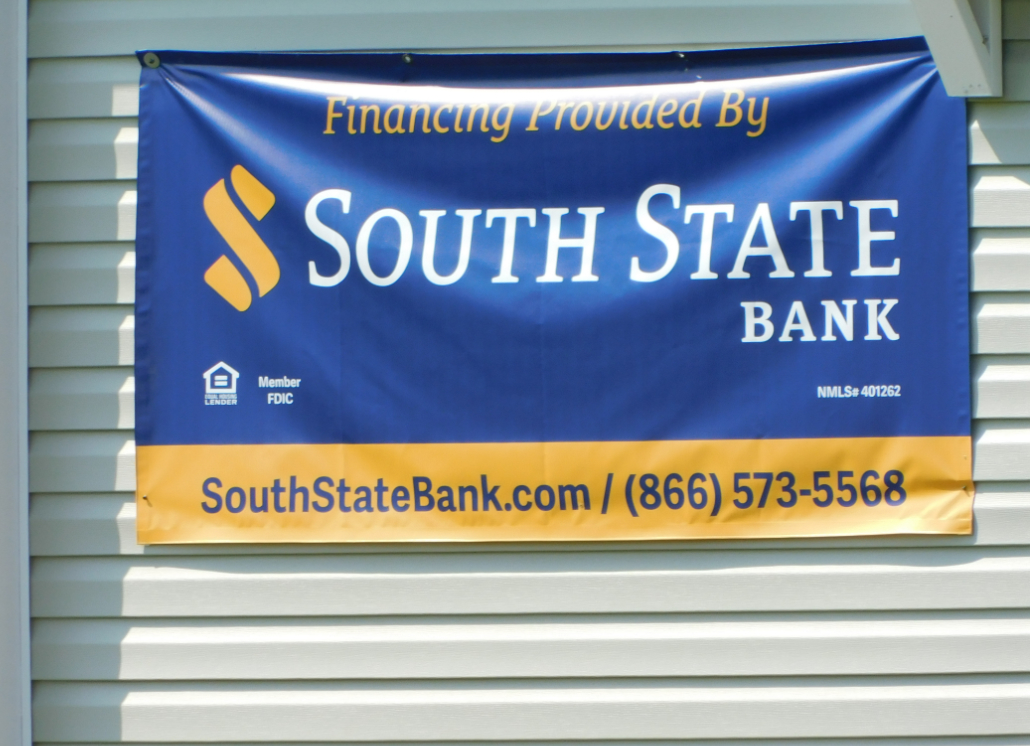 Bank Banner made of Vinyl for Outdoor Sign Use